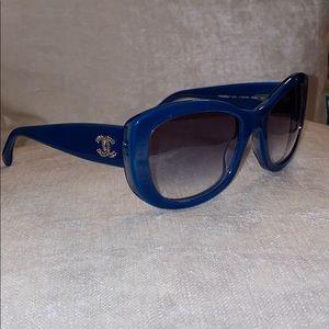 EUC CHANEL Blue Sunglasses 5239 55/21